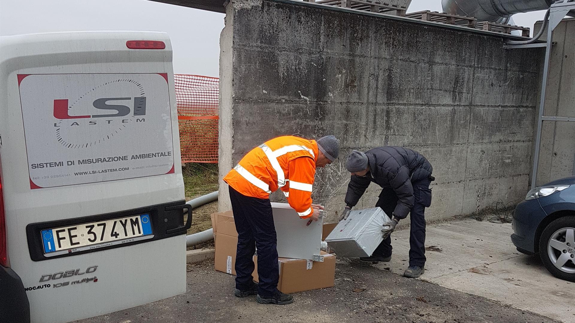 Sistema via radio per il monitoraggio del compost