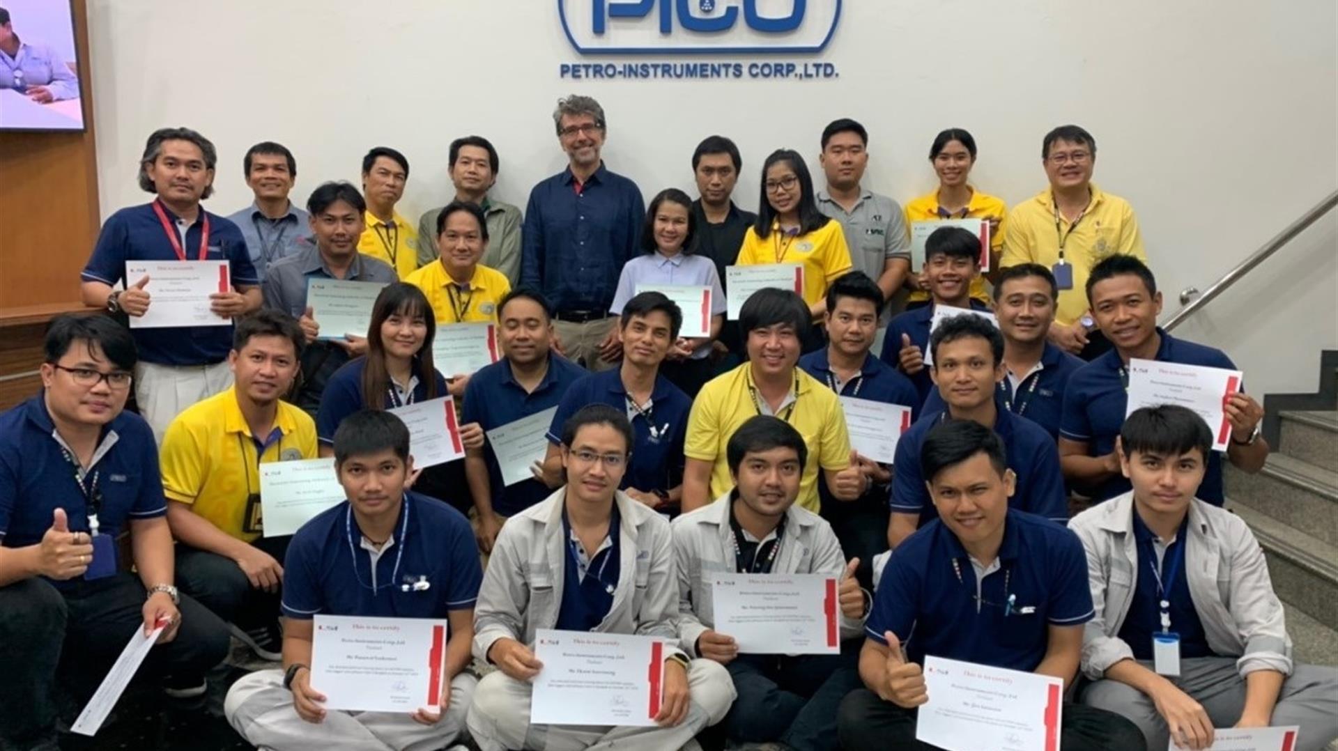 Una giornata di formazione alla Petro Instruments Corporation